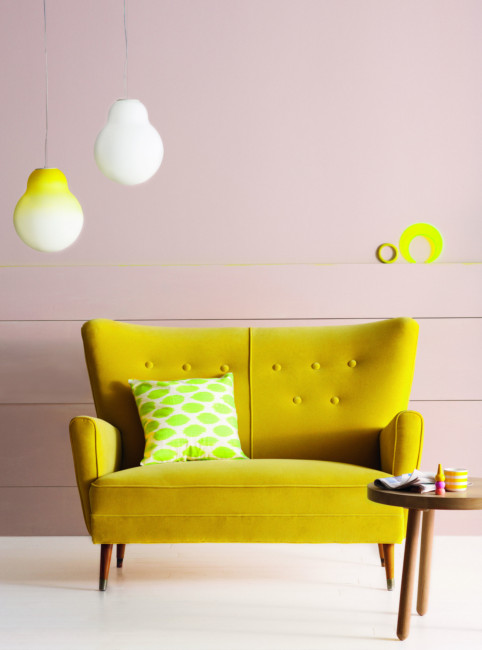 HomeLife vintage sofa in acid yellow