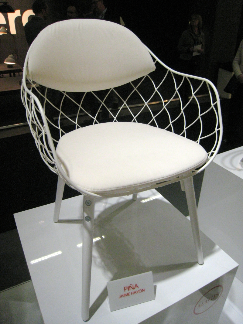 https://forinterieur.files.wordpress.com/2012/02/pic3b1a-chair-jaime-hayon-magis.jpg