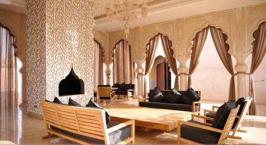 Palais Namaskar - Outdoor lobby area